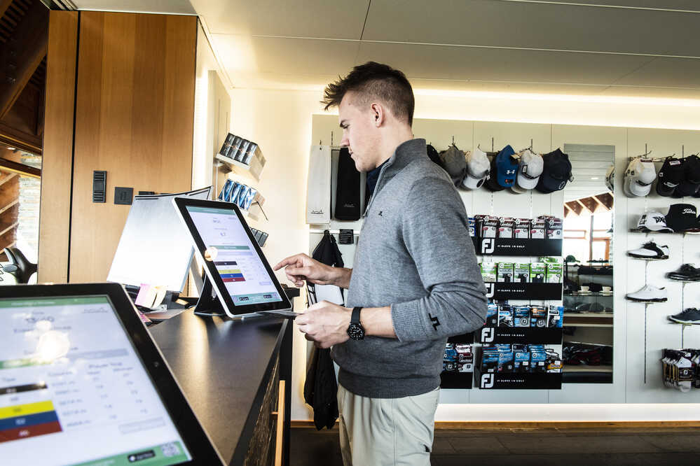 Pro Shop reception with 10- and 15-Inch Digital Conversion Table